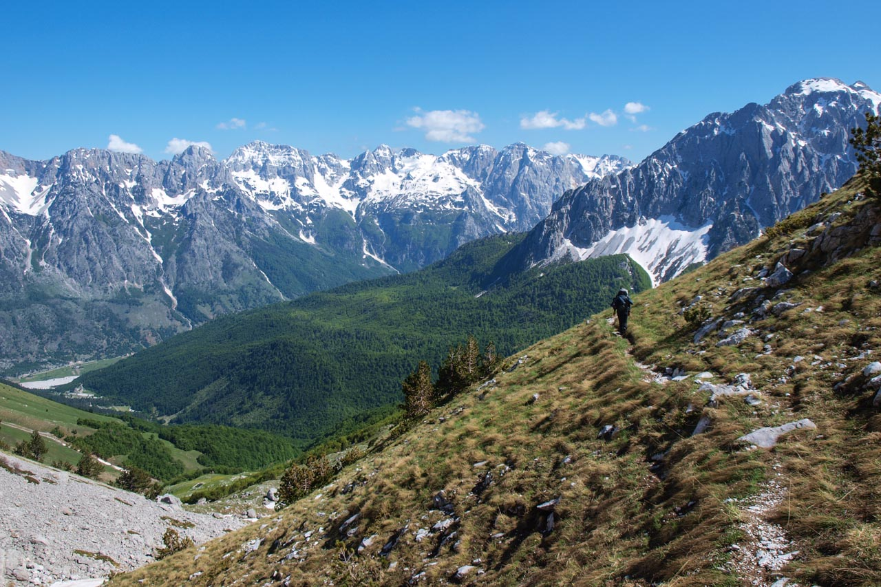 Walk from Qafa e Roshit to Valbona with wonderful panoramic views