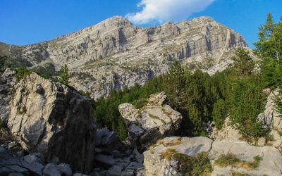 Karst formations come in sight