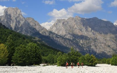 Valbona riverbed with Maja e Thate (2406m) and Kolata / Kolac in the background