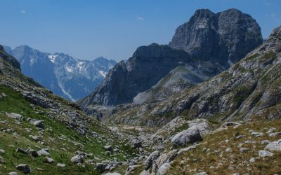 Maje e Thate from Qafa Preslopit, to the left lies the path to center of Valbona