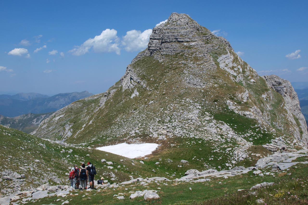 On the saddle of Kollata, with Kollate e Mire / Dobre Kollate (2528m) in the background
