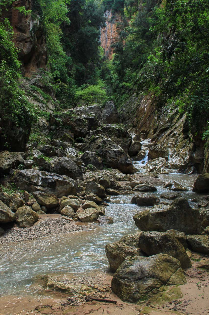 Inside Vuno canyon